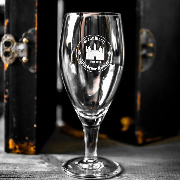 Bierglas van de Wijchense Schone.
